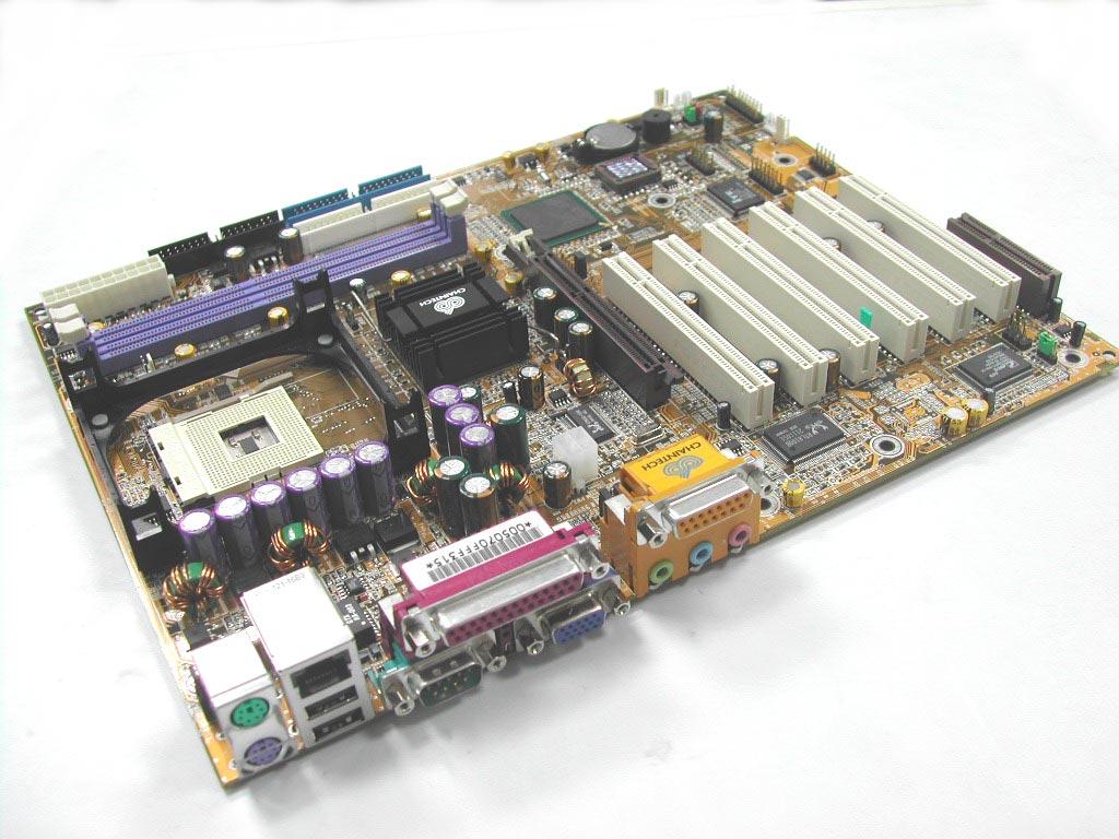 承启主板_这次送测的试承启9bjf,采用传统的黄色pcb,标准的atx设计,主板上有1个